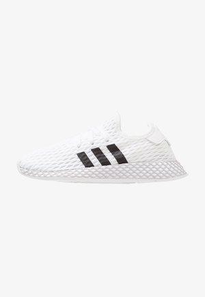 DEERUPT RUNNER - Sneakers laag - footwear white/core black/grey two