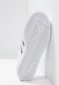 adidas Originals - SUPERSTAR - Sneakers laag - footwear white - 5