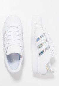 adidas Originals - SUPERSTAR - Sneakers laag - footwear white - 0