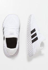 adidas Originals - DEERUPT RUNNER - Sneakers basse - footwear white/core black/grey two - 0