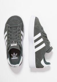 adidas Originals - CAMPUS - Tenisky - legend ivy/footwear white - 0