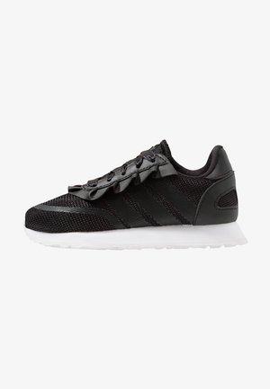 N-5923 - Sneakers laag - core black/carbon