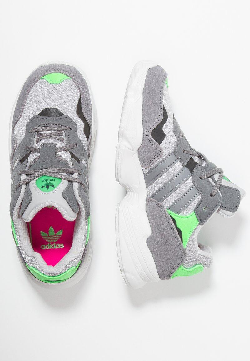 adidas Originals - YUNG-96 - Sneakers - grey two/grey three/shock pink