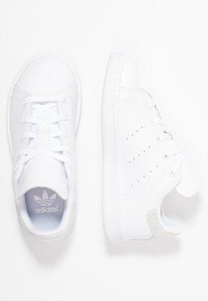 STAN SMITH - Sneakers basse - footwear white