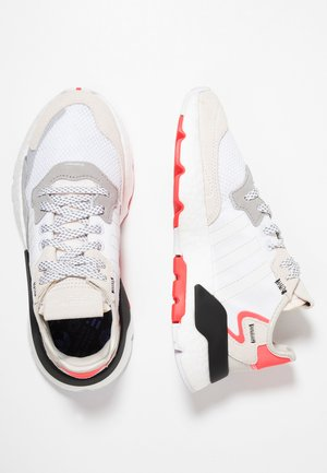 NITE JOGGER  - Trainers - footwear white/crystal white/shock red