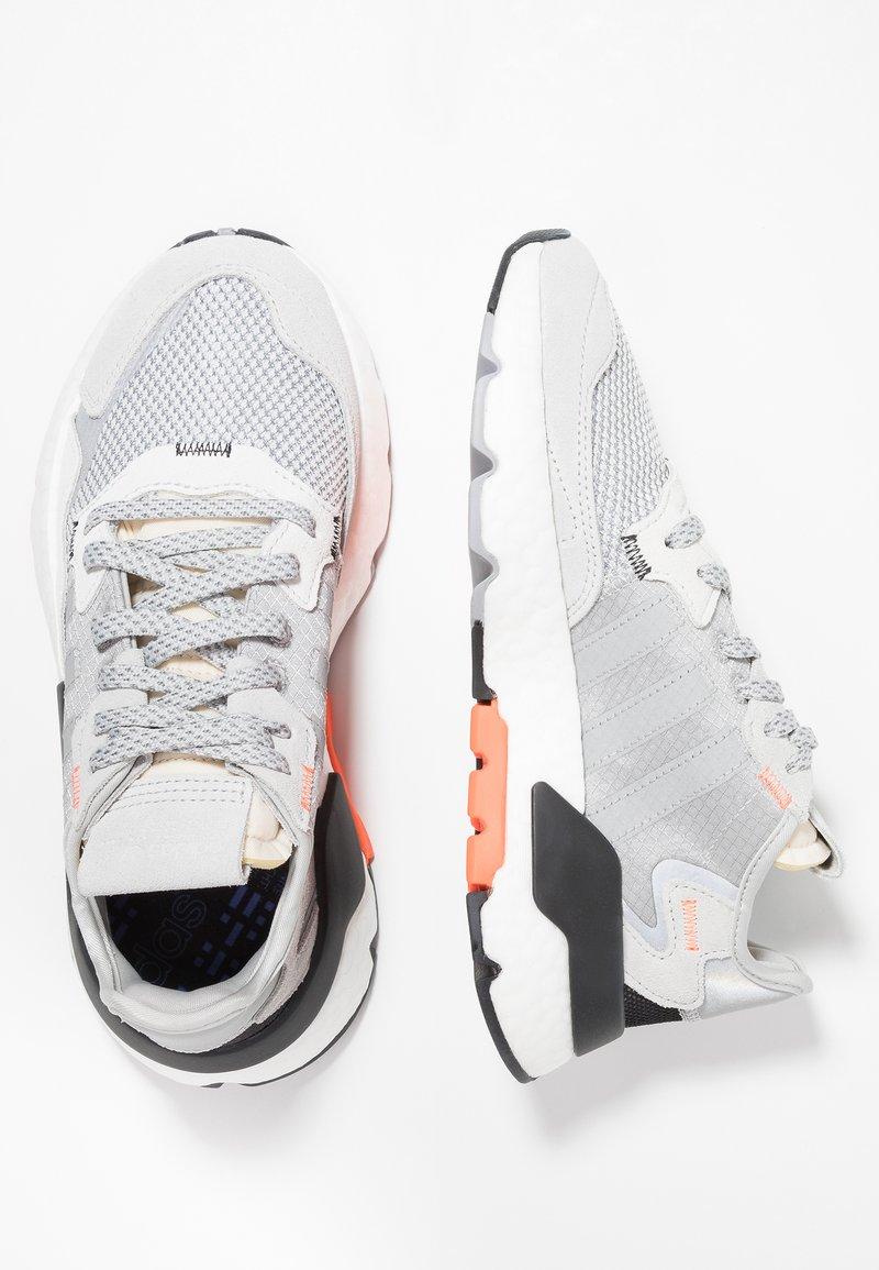 adidas Originals - NITE JOGGER  - Sneaker low - grey two/grey three/solar orange