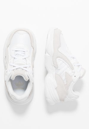 YUNG-96 CHASM - Mocassins - crystal white/footwear white