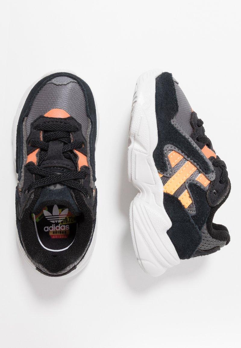 adidas Originals - YUNG-96 CHASM - Slip-ins - core black/semi coral/solar red