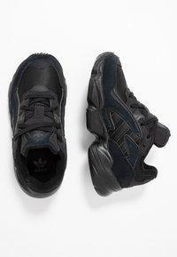 adidas Originals - YUNG-96 CHASM - Zapatillas - core black/carbon - 0