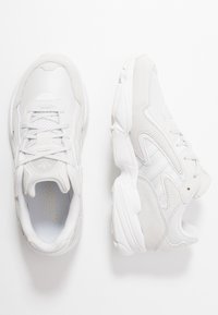 adidas Originals - YUNG-96 CHASM - Trainers - crystal white/footwear white - 0