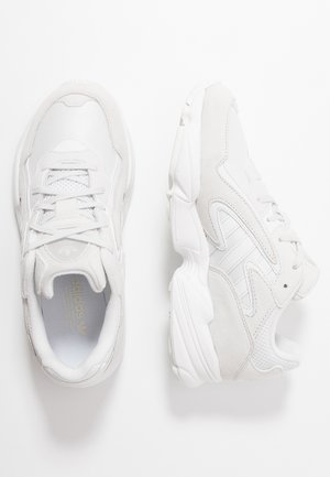 YUNG-96 CHASM - Zapatillas - crystal white/footwear white