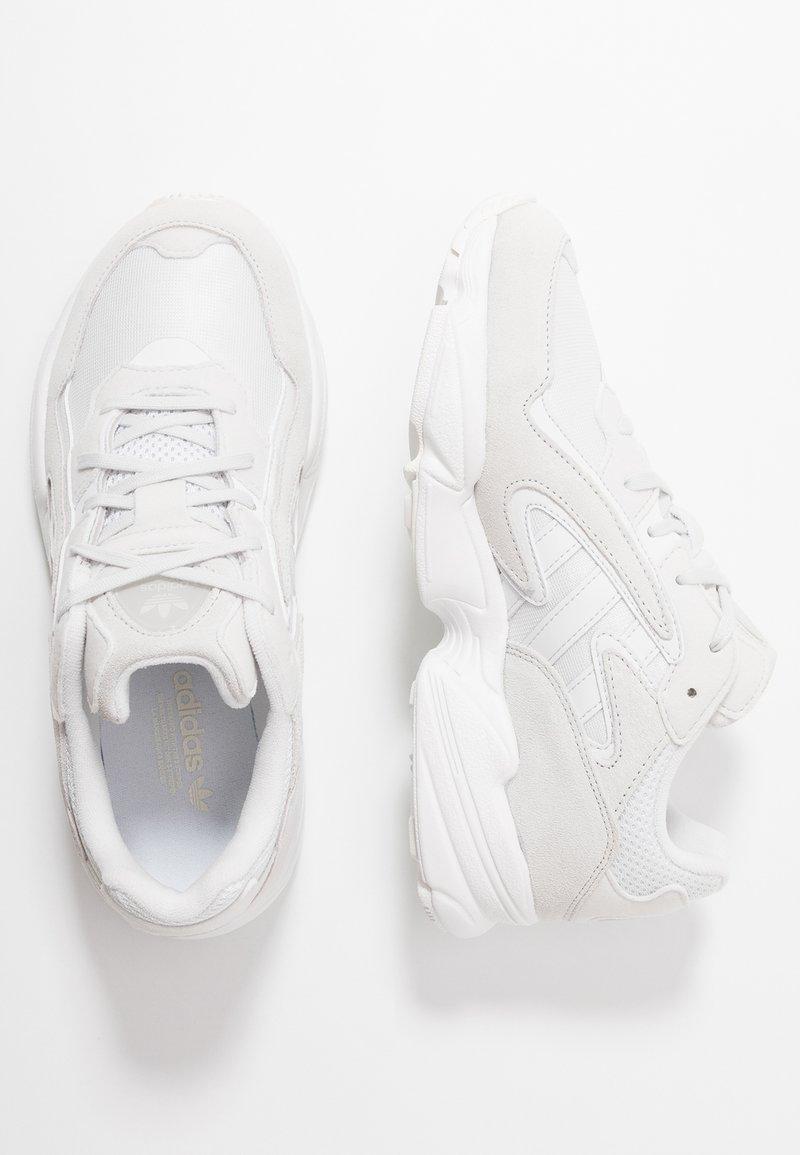adidas Originals - YUNG-96 CHASM - Baskets basses - crystal white/footwear white