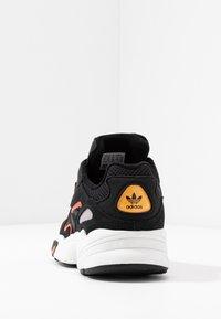 adidas Originals - YUNG-96 CHASM - Trainers - core black/semi coral - 4