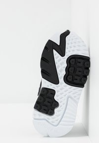 adidas Originals - NITE JOGGER - Slipper - core black/carbon - 5