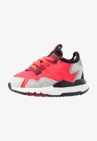 adidas Originals - NITE JOGGER - Slip-ins - shock red/grey two - 1