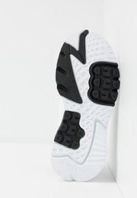 adidas Originals - NITE JOGGER - Tenisky - footwear white/crystal white - 5