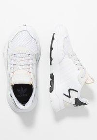 adidas Originals - NITE JOGGER - Tenisky - footwear white/crystal white - 0