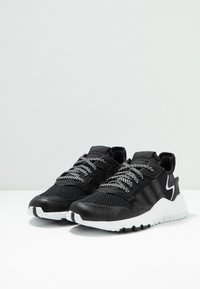 adidas Originals - NITE JOGGER - Trainers - core black/carbon - 3