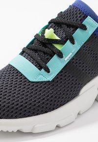 adidas Originals - POD-S3.1 - Baskets basses - carbon/carbon/core black - 2