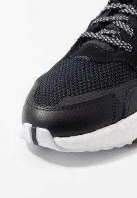 adidas Originals - NITE JOGGER - Trainers - core black/carbon - 2