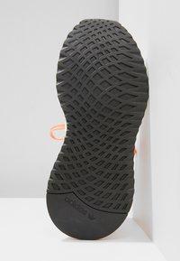 adidas Originals - PATH RUN - Sneakers laag - pink - 5