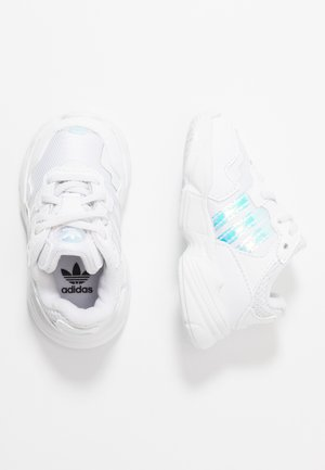 YUNG-96 EL - Mocassins - footwear white/core black