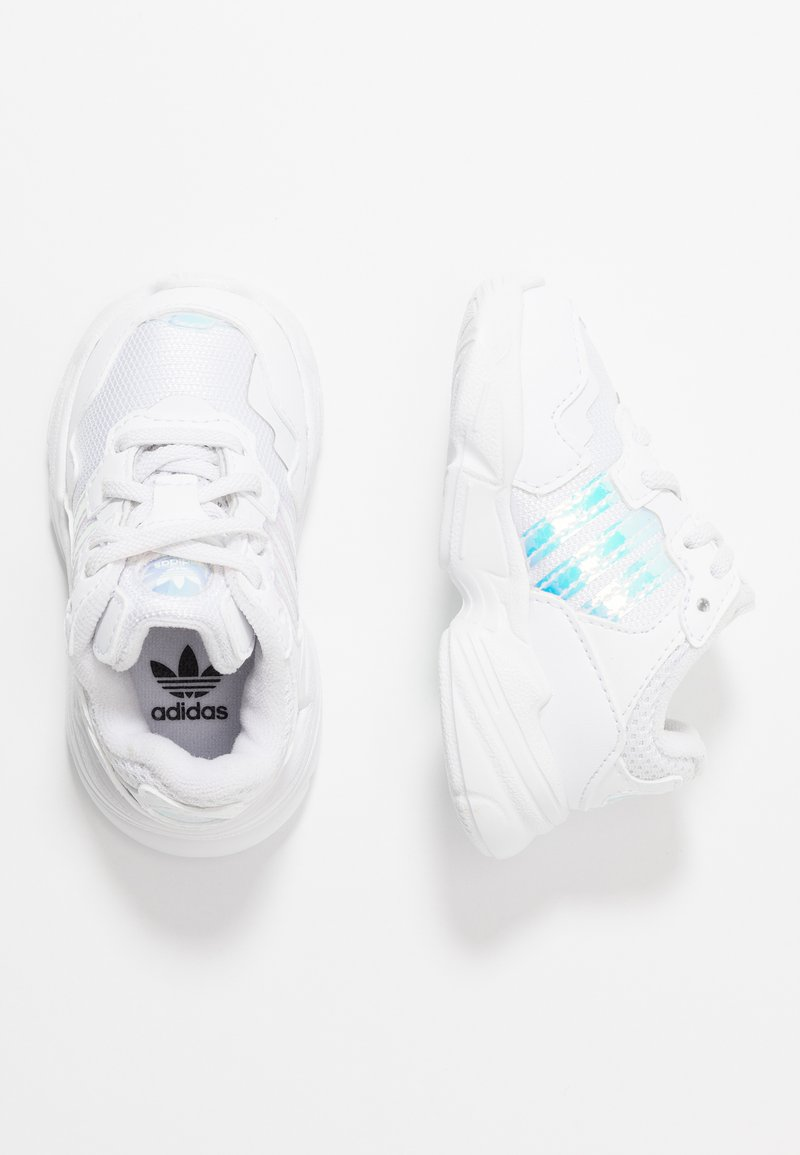 adidas Originals - YUNG-96 EL - Slipper - footwear white/core black