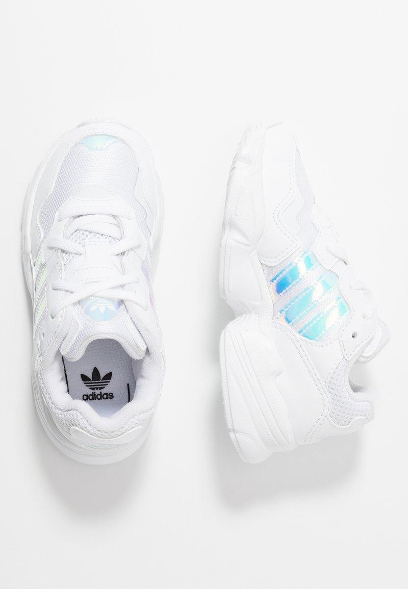 adidas Originals - YUNG-96  - Baskets basses - footwear white/core black