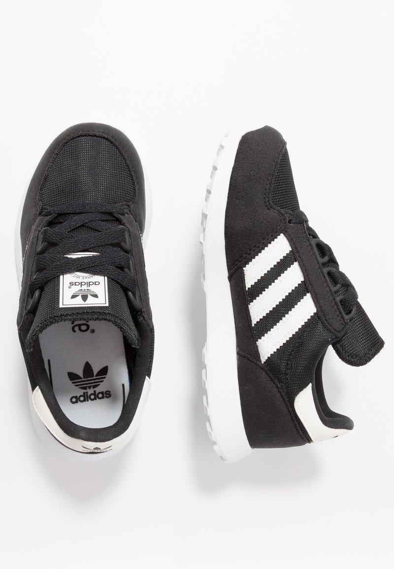 adidas Originals - FOREST GROVE - Tenisky - core black/cloud white/chalk white
