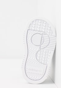 adidas Originals - SUPERCOURT CF - Sneakers laag - footwear white/core black - 5