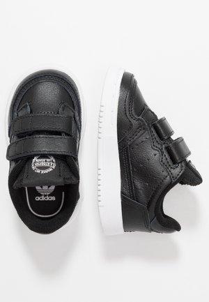SUPERCOURT CF - Matalavartiset tennarit - core black/footwear white