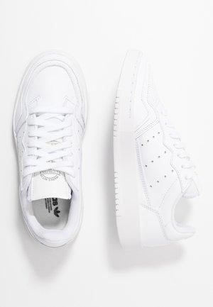 SUPERCOURT - Tenisky - footwear white