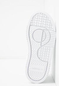 adidas Originals - SUPERCOURT - Tenisky - footwear white/core black - 5