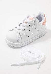 adidas Originals - STAN SMITH - Scarpe senza lacci - footwear white/glow pink - 6
