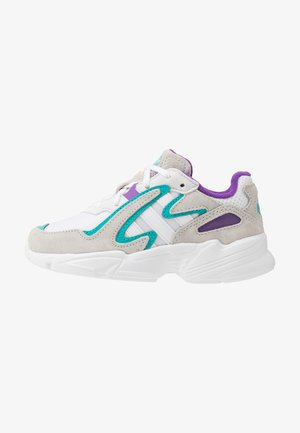YUNG-96 CHASM - Trainers - footwear white/crystal white