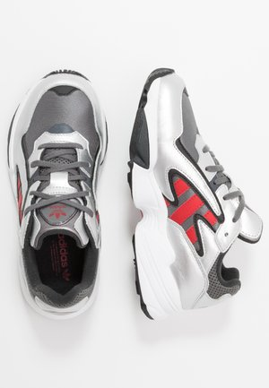 YUNG-96 CHASM - Trainers - grey four/scarlet/silver metallic