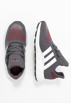 SWIFT RUN  - Trainers - grey five/footwear white/core black