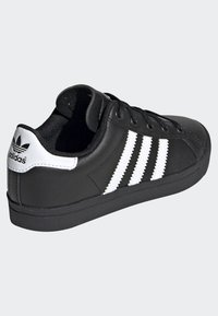 adidas Originals - COAST STAR SHOES - Trainers - black - 3