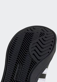 adidas Originals - COAST STAR SHOES - Trainers - black - 5