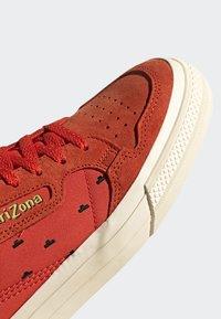 adidas Originals - CONTINENTAL VULC SHOES - Sneakers basse - orange - 7
