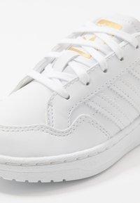 adidas Originals - TEAM COURT - Sneakers - footwear white/core black - 2