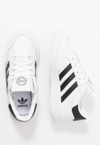 adidas Originals - TEAM COURT - Zapatillas - footwear white/core black - 0