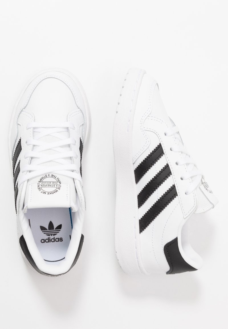 adidas Originals - TEAM COURT - Zapatillas - footwear white/core black