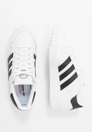 TEAM COURT  - Tenisky - footwear white/core black