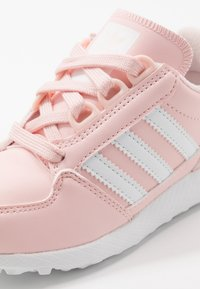 adidas Originals - FOREST GROVE - Trainers - ice pink/footwear white - 2