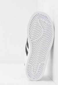 adidas Originals - SUPERSTAR - Baskets basses - footwear white/core black - 5