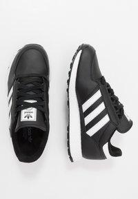 adidas Originals - FOREST GROVE - Sneakers basse - core black - 0