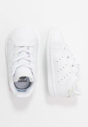 STAN SMITH - Sneakers basse - footwear white/core black