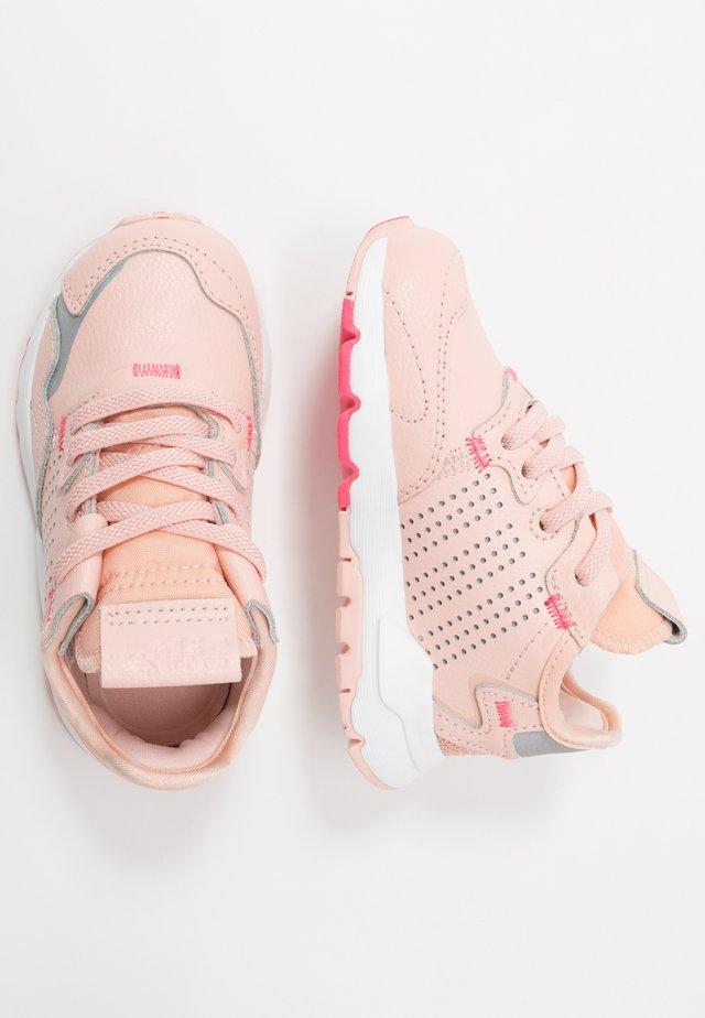 NITE JOGGER - Slip-ins - vapor pink/silver metallic/real pink