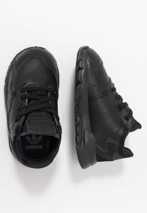 NITE JOGGER - Mocassins - core black
